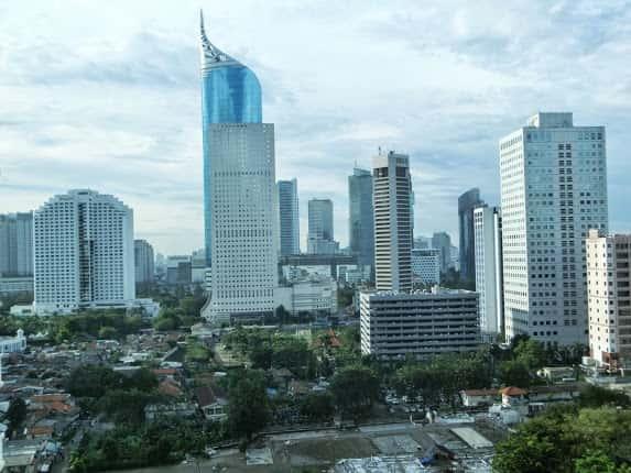 インターコンチネンタル・ミッドプラザ・ジャカルタからBNI(Bank Negara Indonesia)タワーを望む
